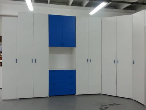 14 • armadiatura con pianta a L e cabina armadio ad angolo