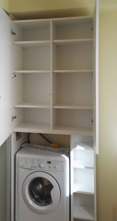 Mobile lavanderia, interno a ripiani