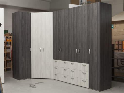 32 • armadiatura con cabina armadio angolare