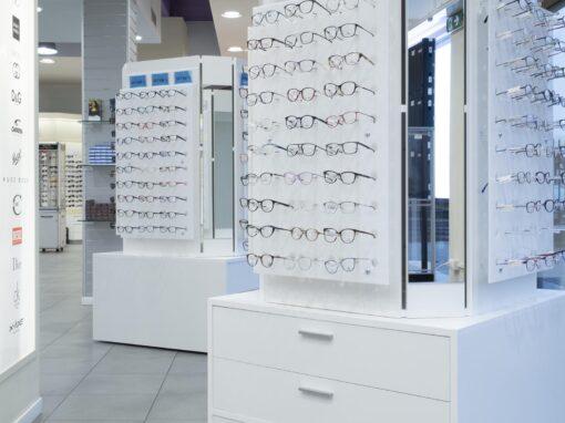 63 • Espositori per occhiali
